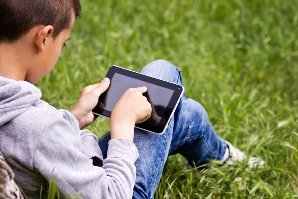 How to Co-Parent in the Age of iPads